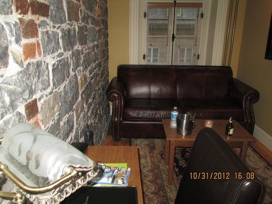 Hotel Acadia: SALON - TRÈS PROPRE