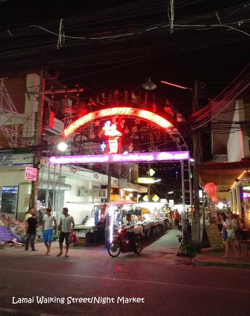 Mr. Phu : entrance to the Night Bazaar
