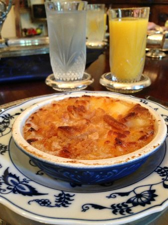 Shadowlawn Bed & Breakfast: Burnette's Breakfast: Scalloped Pineapple