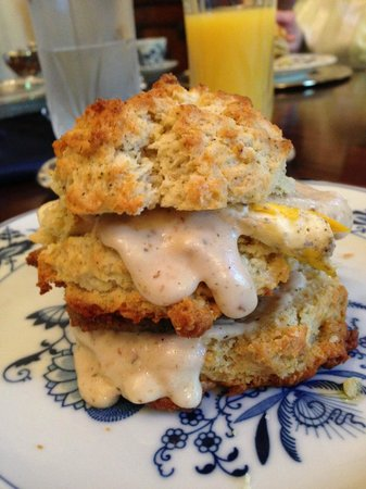 Shadowlawn Bed & Breakfast: Burnette's Breakfast: Homemade scone with egg, sausage, and gravy