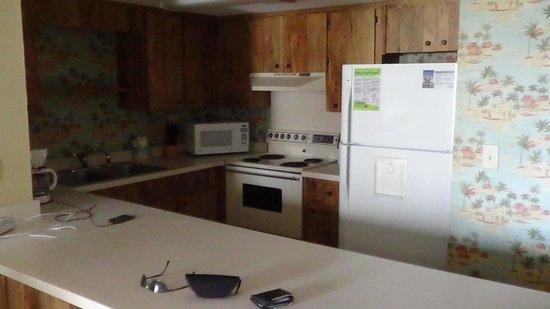 Island Sunrise: kitchen