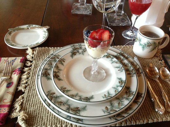 Pine Grove Bed & Breakfast: Breakfast Starter