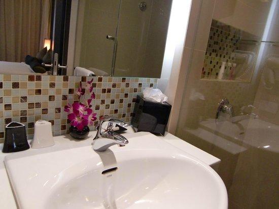 SilQ Bangkok: gorgeous bathroom