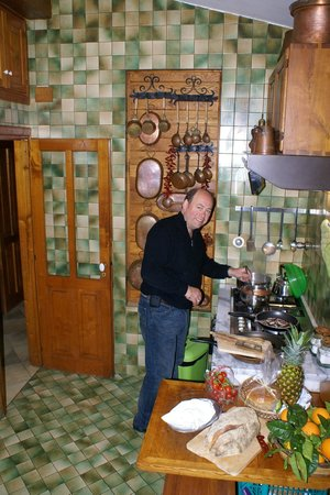 La Grotta dei Fichi: Making dinner
