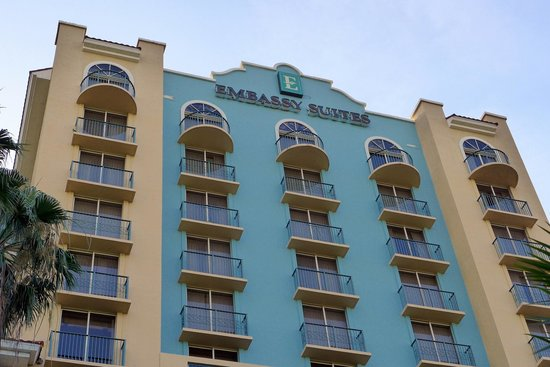 Embassy Suites by Hilton Fort Lauderdale 17th Street: Embassy Suite Exterior