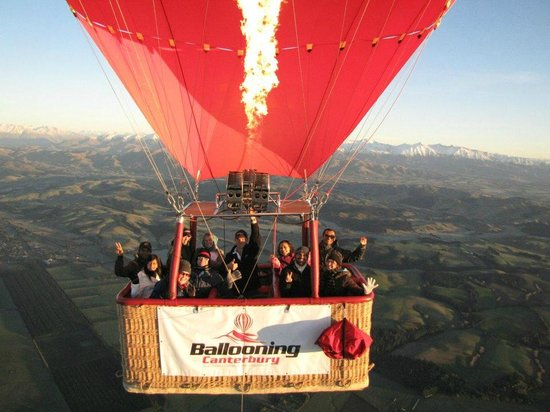 Darfield, Nueva Zelanda: Ballooning with Micheal
