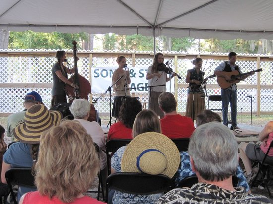 Stephen Foster Folk Culture Center State Park: Stone Family band