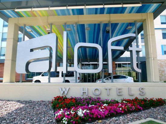 Aloft Las Colinas: Welcome sign