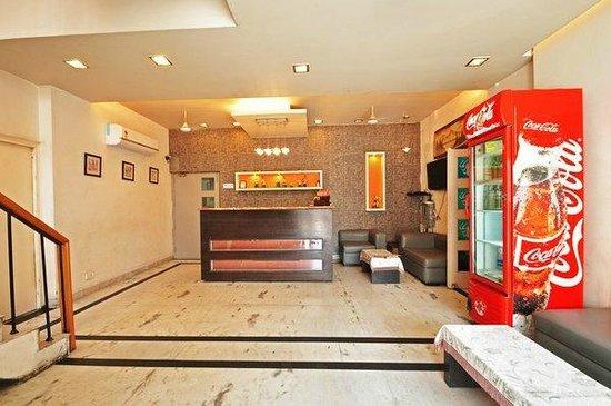 Raj Darbar Hotel: Reception