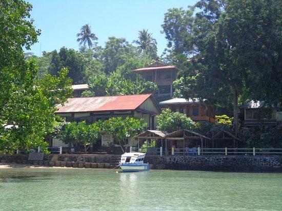 Happy Gecko Resort Bunaken (Cicak Senang): resort view from the dive boat