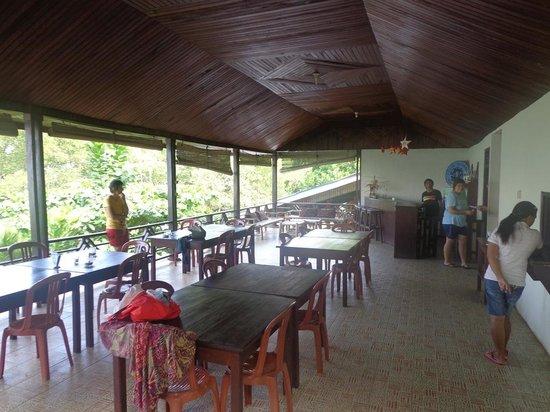 Happy Gecko Resort Bunaken (Cicak Senang): eating/hangout area