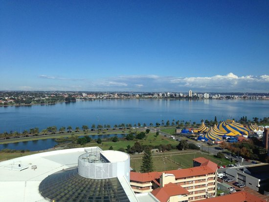 Fraser Suites Perth: view from hotel room. Facing swan river. nice.