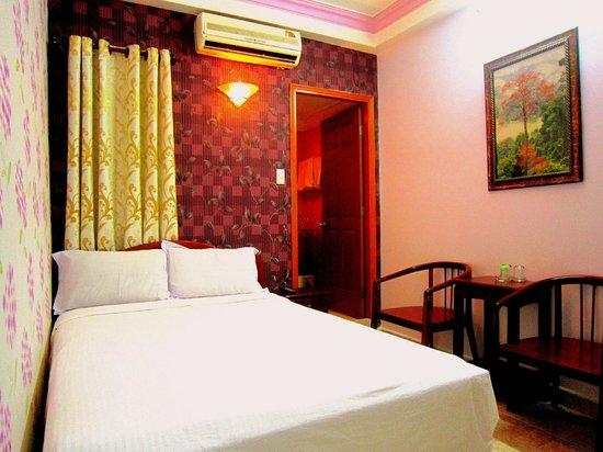 Thuy Tien Hotel : Deluxe Double Bed Room