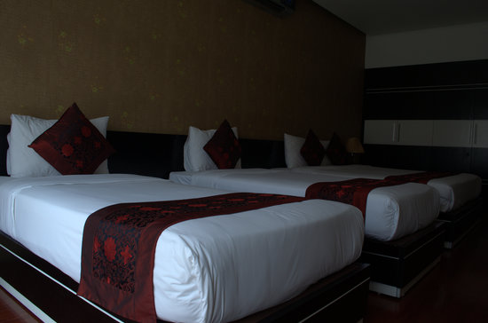 Rising Dragon Cathedral Hotel: superior room