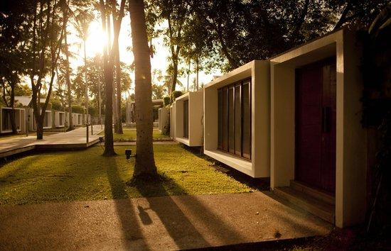 X2 Samui - All Spa Inclusive Resort: X2 Samui walkway