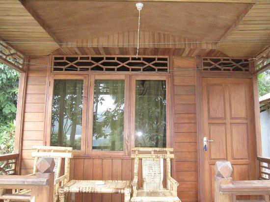 Daniel's Lagoon Resort Lembeh : Balcony
