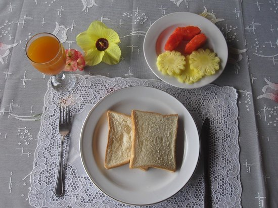 Daniel's Lagoon Resort Lembeh : Breakfast