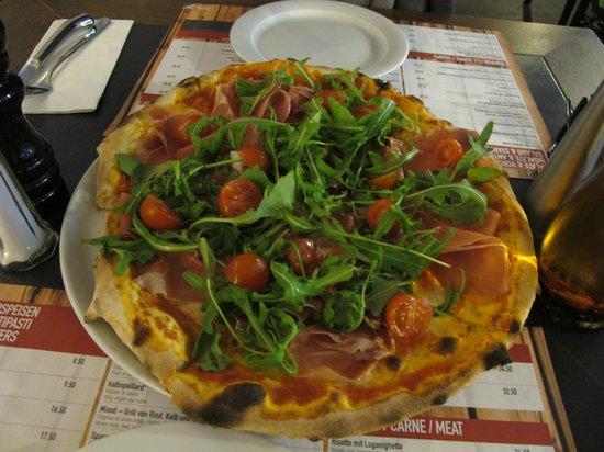 Hotel Piz St. Moritz : Pizza at Dining