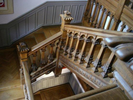Domaine de Beaupré : Escalier menant aux chambres