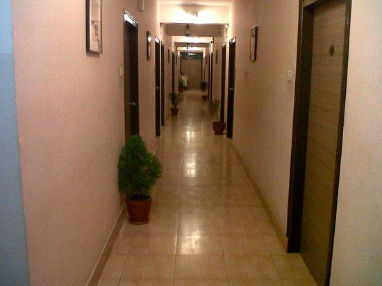 Hotel Barjorjis Banjara: Corridor