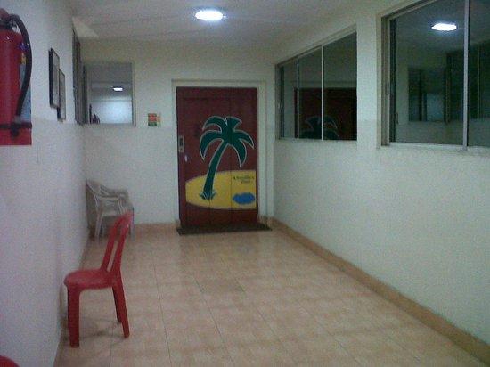 Hotel Barjorjis Banjara: Corridor & Lift