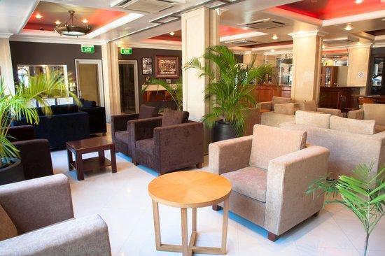 Ela Beach Hotel: Ozzie's Bar