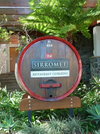 Sirromet Wines: Large barrell outside Lurleen's, which you pass on the tour.
