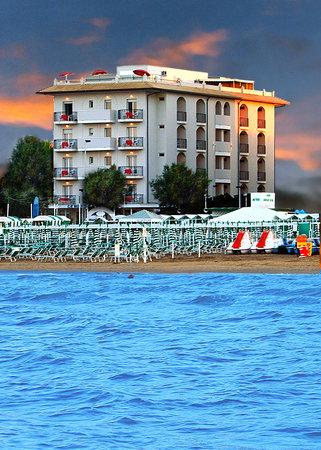 Hotel Ca' Bianca: Vista dal mare