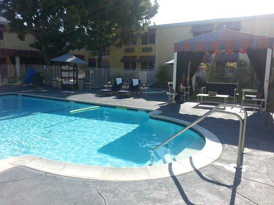 Wild Palms Hotel - a Joie de Vivre Hotel: Swimming Pool
