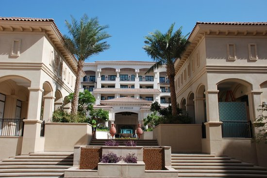 The St. Regis Saadiyat Island Resort: Hoteleingang