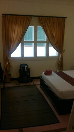 Frangipani Villa Hotel, Siem Reap: normal double room 1