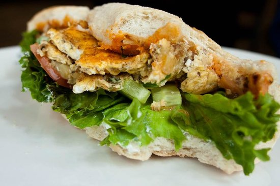 Luigi Zuckermann: Omelette Sandwich