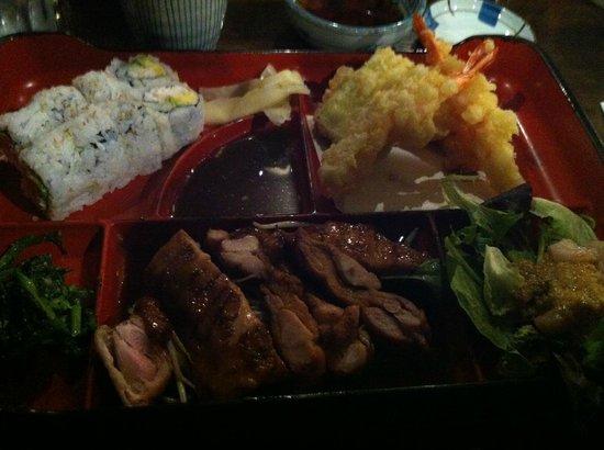 Shuraku Sake Bar & Bistro : Bento Box
