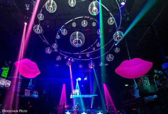 Awesome The Pier Disco Club: World Class Lighting !