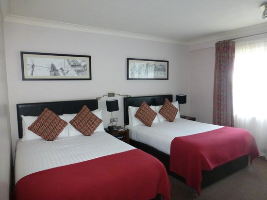 Clayton Hotel Silver Springs: chambre