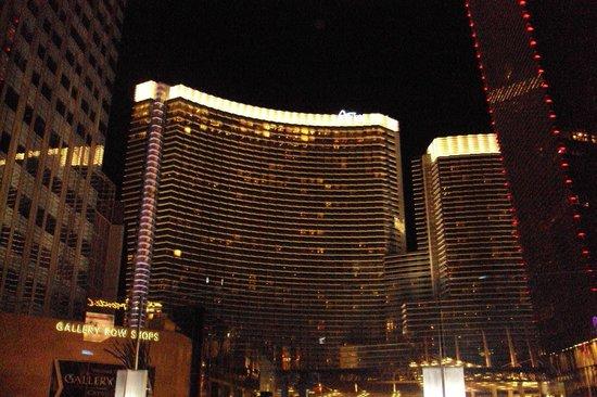 ARIA Resort & Casino: Entrada