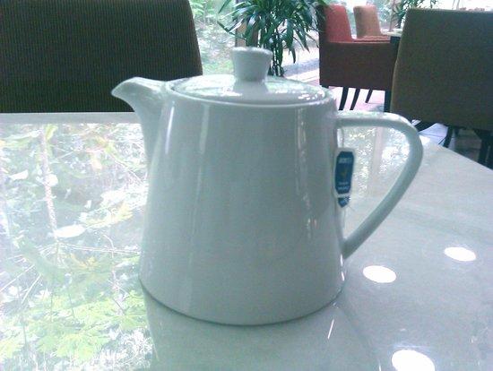 Maio Restaurant: tea pot