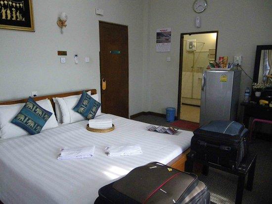 Cinderella Hotel: Room