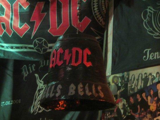 Bretterbude : AC/DC stuff in the bar