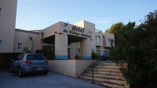 Hotel du Village Catalan : Hotellet från utsidan