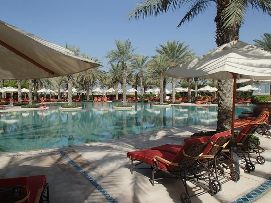Pool Arabian Court