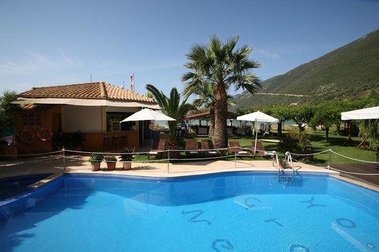 هوتل جراند نيفيلي: Pool view