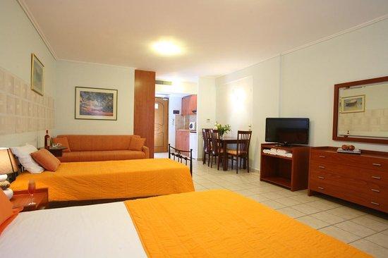 Grand Nefeli: Junior suite for 4