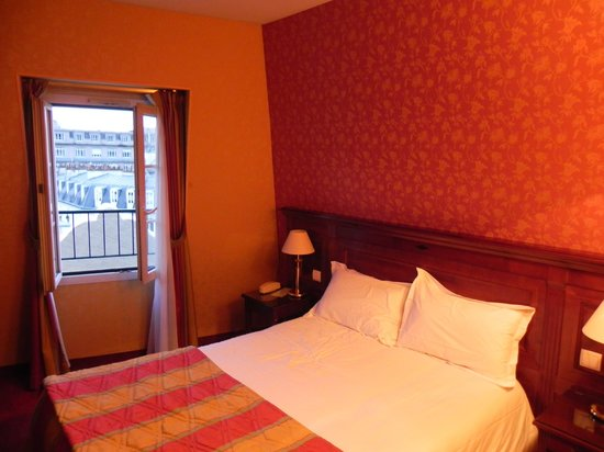 Hotel Viator - Paris Gare de Lyon: Really nice room