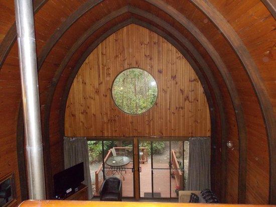 Springbrook Mountain Chalets: round window