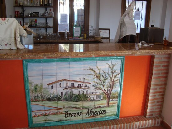 Hilltop Hideaway (Brazos Abiertos Casa Rural): Your own bar