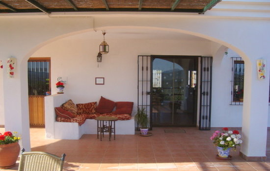 Hilltop Hideaway (Brazos Abiertos Casa Rural): Lovely seating area to enjoy the views