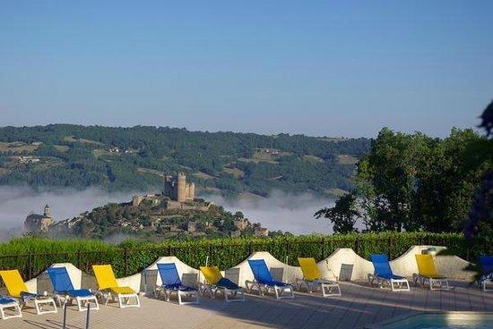 VVF Villages Les Hauts de Najac : VVF Villages Hauts de Najac : vue de la piscine