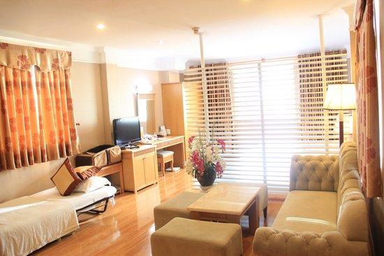 Roseland Point Hotel: Room 901