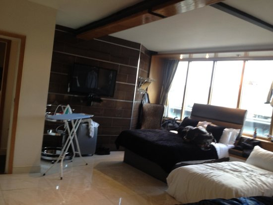 main bedroom picture of signature living hotel